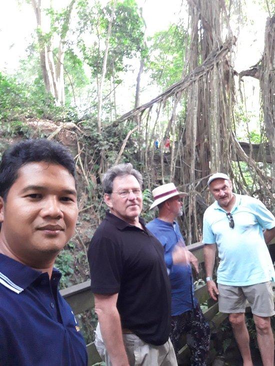 ubud monkey forest, bali esa drivers